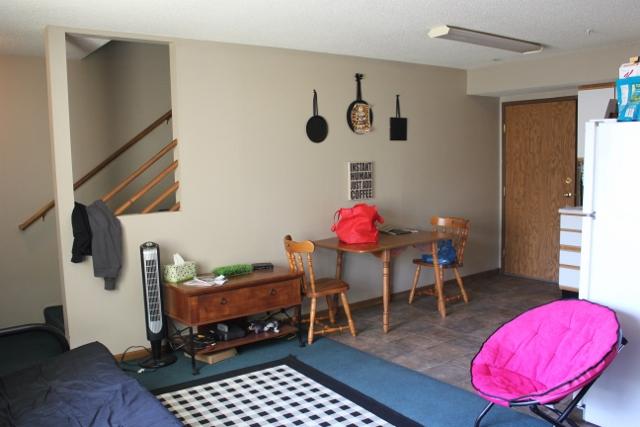 219-6 livingroom 2 (640x427) (640x427)